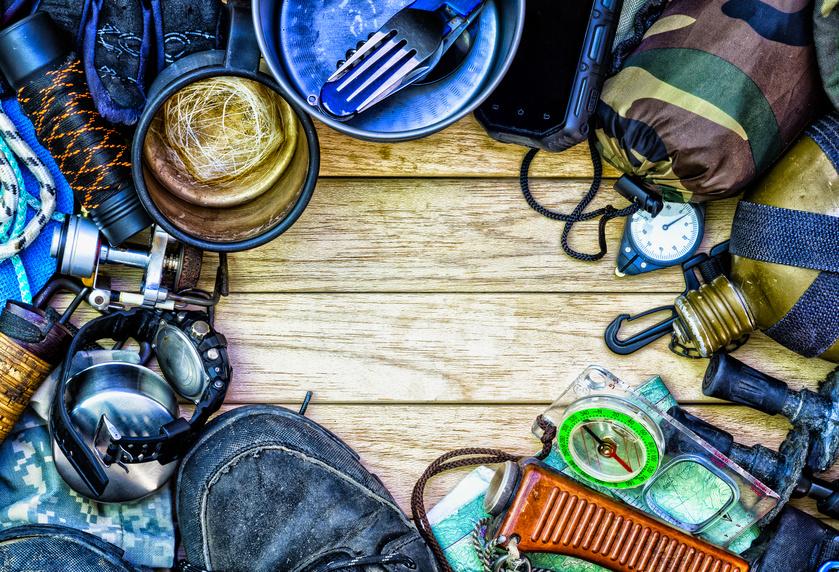 Niezbędnik survivalowca - co jest niezbędne na campingu?